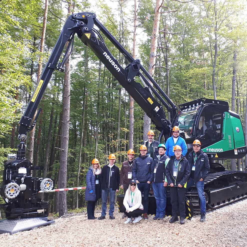 neuson-forest-harvester-team2021.jpg